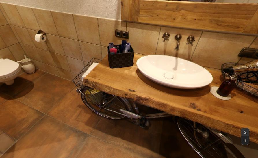 Badezimmer im Heuhotel Heuchelheim