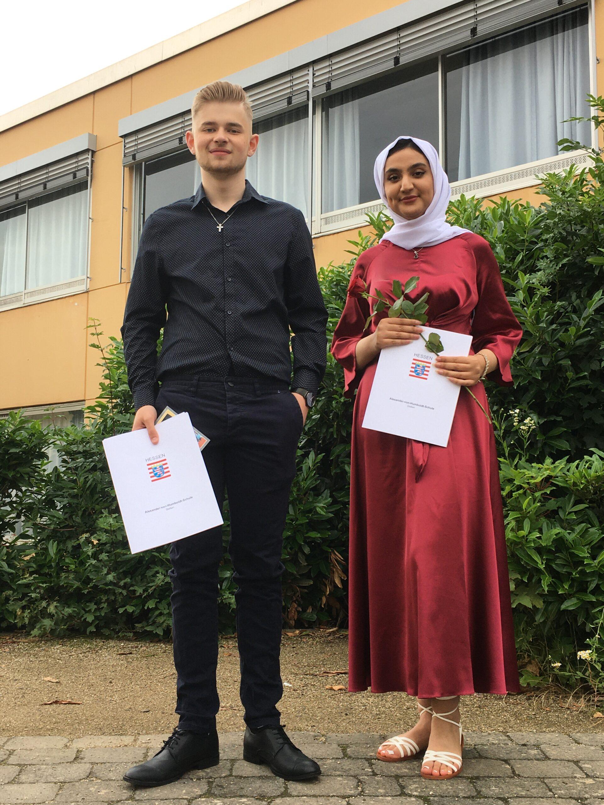 Marcel König und Fatema Ahmedi waren die besten Absolventen des Jahrgangs 10